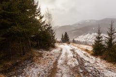 Montagne di Snowy prima della tempesta Fotografia Stock Libera da Diritti