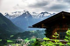 Montagne di Tirolo, Austria, ad estate Fotografia Stock Libera da Diritti