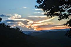 Montagne di tramonto immagini stock libere da diritti