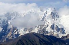 Montagne di Transcaucasia, Svaneti, itinerario popolare di trekking, Georgia Fotografia Stock Libera da Diritti
