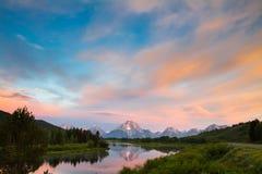 Montagne di trascuratezza di Teton dall'affluenza della curvatura di Oxbow Fotografia Stock Libera da Diritti