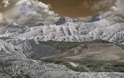 Montagne di Ustyurt nei toni grigi Immagine Stock