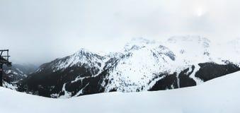 Montagne di vista panoramica che circondano il villaggio di Arabba Alpi Sella Ronda della dolomia L'Italia Fotografia Stock Libera da Diritti