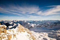 Montagne di Zugspitze sceniche immagini stock