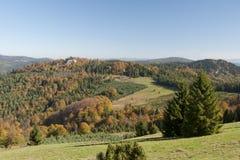 Montagne durante l'autunno Immagine Stock