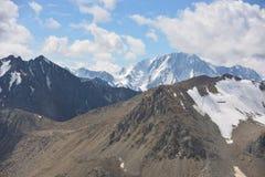 Montagne e cielo Fotografia Stock Libera da Diritti