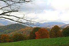 Montagne e cielo Immagine Stock
