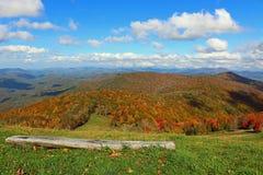 Montagne e cielo Fotografia Stock