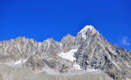 Montagne e cielo Immagini Stock Libere da Diritti