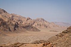 Montagne e deserto iraniani di paesaggio Fotografia Stock Libera da Diritti