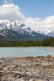 Montagne e fiume Immagine Stock Libera da Diritti