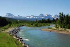 Montagne e fiume di estate Fotografia Stock Libera da Diritti