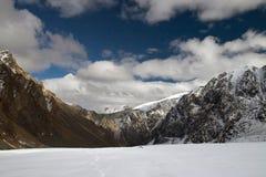 Montagne e ghiacciaio. Fotografia Stock Libera da Diritti