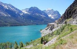 Montagne e lago Fotografia Stock Libera da Diritti
