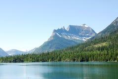 Montagne e lago Immagine Stock Libera da Diritti