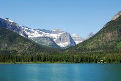 Montagne e lago del waterton Immagini Stock