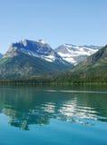 Montagne e lago della neve Immagine Stock