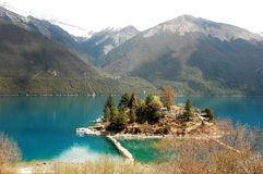 Montagne e lago della neve Fotografia Stock Libera da Diritti