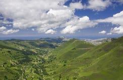 Montagne e mare Fotografia Stock Libera da Diritti