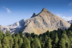 Montagne e paesaggio dei picchi Ghiacciaio di htai del ¼ di KÃ, ambiente naturale Facendo un'escursione nelle alpi di Stubai Vall Fotografie Stock