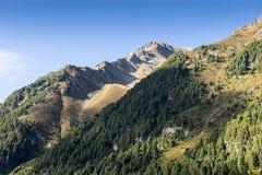 Montagne e paesaggio dei picchi Ghiacciaio di htai del ¼ di KÃ, ambiente naturale Facendo un'escursione nelle alpi di Stubai Vall Immagini Stock