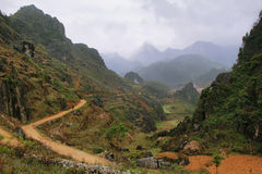 Montagne e risaie vicino a Dong Van in Ha Giang fotografie stock