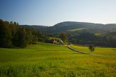 Montagne e strada in Polonia Fotografia Stock