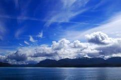 Montagne e striature della nube Fotografia Stock Libera da Diritti