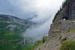 Montagne e tunnel in Glacier National Park Fotografia Stock