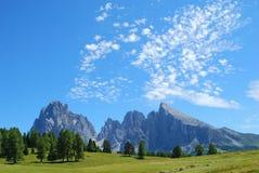 Montagne e valle Immagini Stock