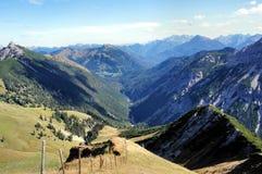 Montagne e valli nel Tirolo, Austria Fotografie Stock