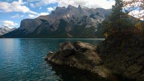 Montagne e wanka del minnie del lago del lago del ghiacciaio Fotografie Stock