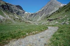 Montagne ed insenatura in alpi, cavolo verzotto, Francia Immagini Stock