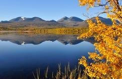 Montagne en automne Photographie stock