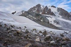 Montagne en chaîne de Kichik-Alai Photo libre de droits