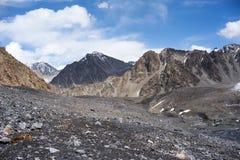 Montagne en chaîne de Kichik-Alai Images stock