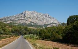 Montagne en pierre d'Aix-en-Provence Photographie stock libre de droits