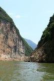 Montagne et fleuve Photo libre de droits