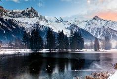 Montagne et lac Images libres de droits