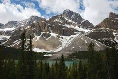 Montagne et lac Photos stock
