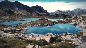 Montagne et lac de paysage photo stock