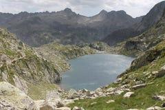 Montagne et lac de paysage Image libre de droits