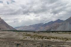 Montagne et paysage naturel, Leh Ladakh Inde en août 2017 Photographie stock libre de droits