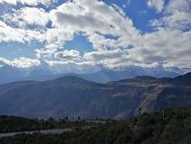 Montagne et village de neige de Meili Image stock