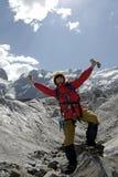 montagne excited de 2 grimpeurs Photo stock