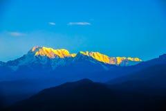 Montagne innevate del Nepal immagine stock libera da diritti