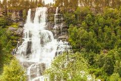 Montagne innorwegian delle cascate Immagine Stock Libera da Diritti
