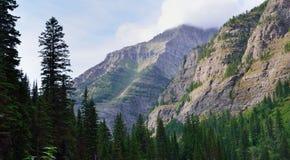 Montagne intorno al lago avalanche Fotografia Stock Libera da Diritti