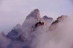Montagne (jaune) de Huangshan Photographie stock libre de droits