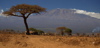 montagne Kilimanjaro Photos stock